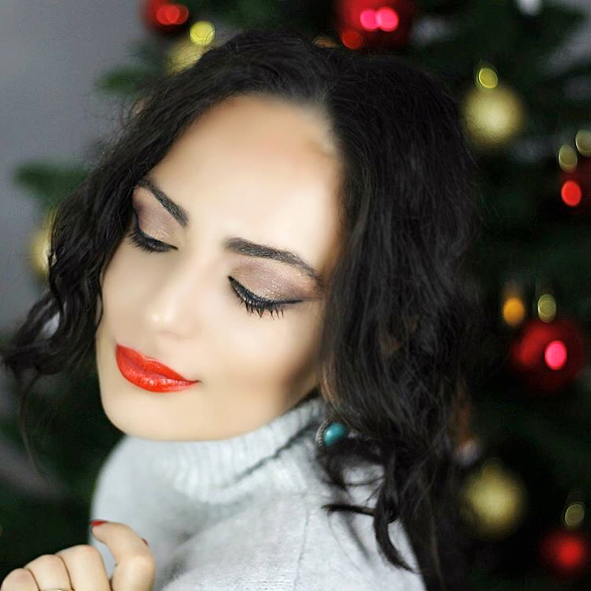 holiday-look-make-up-red-lips